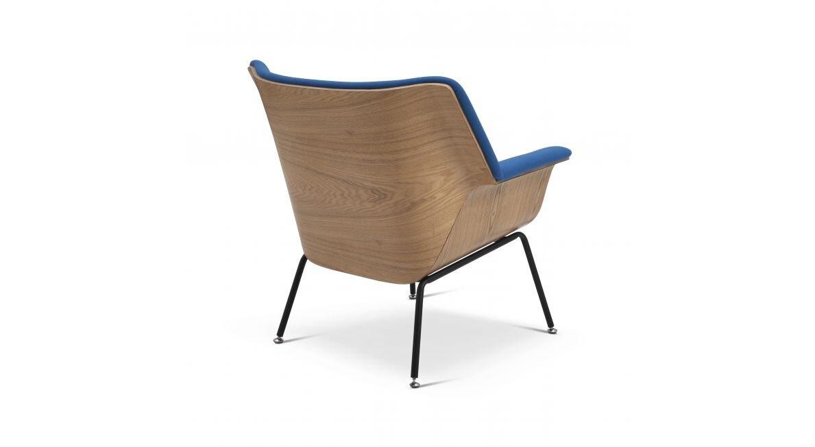 כיסא מעוצב בצבע כחול סילי